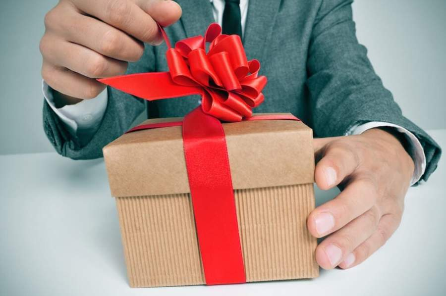 How Customized Gifts for Your Clients Can Boost Your Business
