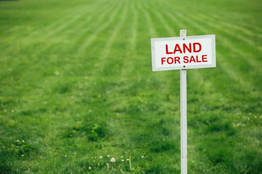 Buying a Plot of Land vs Buying a House